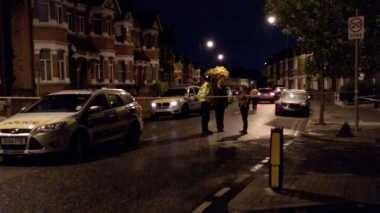 Satu Perempuan Ditembak dan Empat Lainnya Ditahan Dalam Operasi Anti-Teror di Inggris