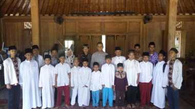 Terima Kunjungan Pesantren Riyadhus Shalihin, Anies Minta Santri Rajin Belajar