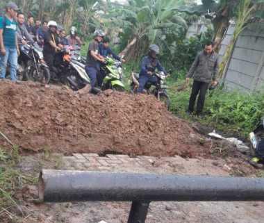 Kesal Tak Dapat Jatah, Puluhan Preman Blokir Jalan Pabrik di Tangerang!