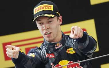 Bersaing Ketat di Toro Rosso, Kvyat: Saya Tidak Pernah Berteman dengan Sainz