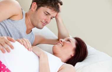 Perlakuan Lembut Suami Membantu Ibu Hamil Menikmati Seks