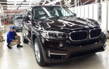 BMW Tepis Anggapan Kualitas Mobil Mewah Rakitan Lokal Beda dengan CBU