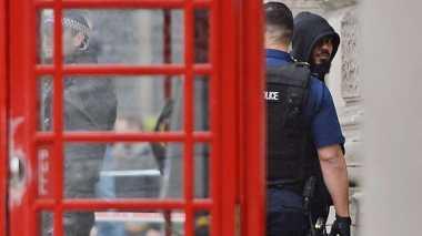 Identitas Pria Berpisau yang Ditangkap di Inggris Terungkap