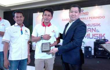 Hary Tanoe Janjikan Trio Musisi Jalanan Juara Festival Musik GRIND Tampil di Dahsyat RCTI