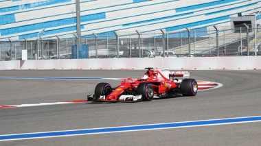 Sebastian Vettel Rebut Pole Position GP Rusia