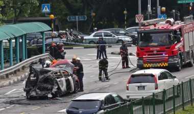 VIDEO: Duh, Taksi di Singapura Mendadak Terbakar