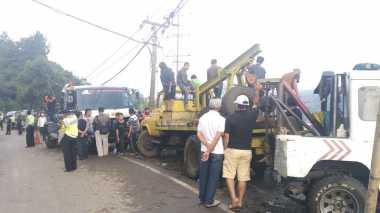 Evakuasi Bus Maut di Ciloto, Polisi Terjunkan Tiga Mobil Derek