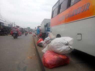 Tolong! Jalan Raya Serang di Cikupa Tangerang Banyak Sampah