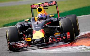 Alami Persaingan Hebat Musim 2017, Red Bull Pertanyakan Standar Mesin F1