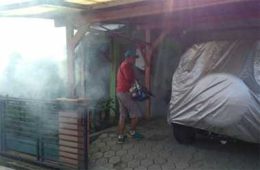 Cegah Penyakit DBD, DPD Perindo Kota Pekalongan Fogging 500 Rumah