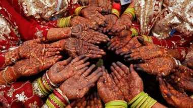 Hindari KDRT, Peserta Nikah Massal di India Dihadiahi Pentungan
