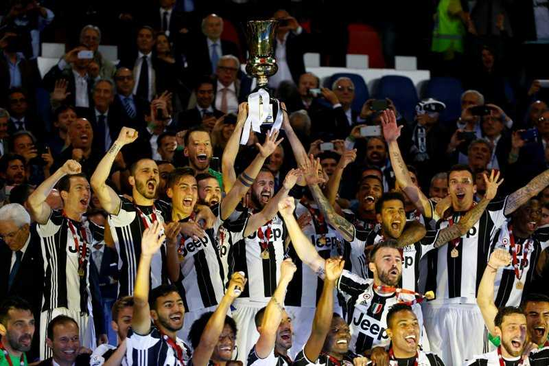 Taklukkan Lazio 2-0, Juventus Sukses Gondol Trofi Coppa Italia