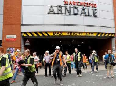 Pengunjung Mal di Manchester Mendadak Dievakuasi