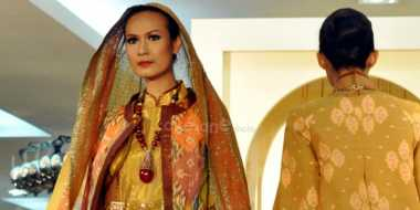 Kreasi Tenun yang Cocok untuk Sambut Ramadan