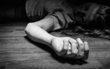 Astaga! Jemaat Temukan Mayat Wanita di Depan Gereja
