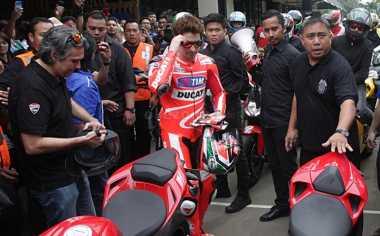 SPORT TWEETS: Pembalap MotoGP Berikan Tribute untuk Nicky Hayden