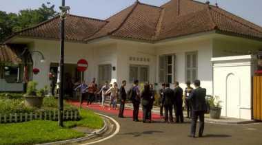 Jelang Kedatangan Raja Swedia, Kesibukan Terlihat di Pendopo Kota Bandung