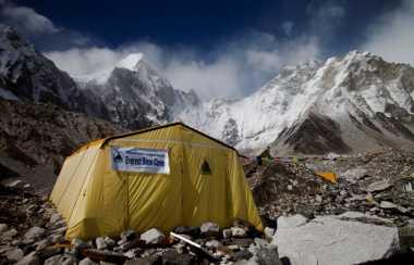Empat Pendaki Ditemukan Tak Bernyawa di Gunung Everest