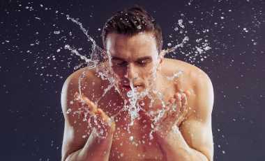 Cara Tepat Cuci Muka Khusus Pria biar Wajah Tetap Terawat