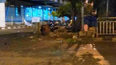 Bom Kampung Melayu, Potongan Tubuh Bergeletakan di Parkiran Motor yang Porak Poranda