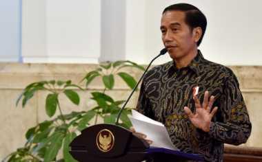 Jokowi Bagikan 1.000 KIP & Sepeda ke Siswa-Siswi di Malang