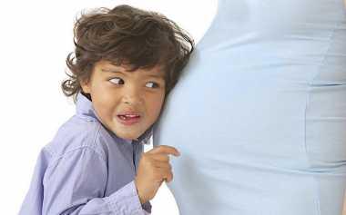 Perilaku Anak Pertama dan Kedua Beda Jauh, Mungkin Ini Sebabnya!
