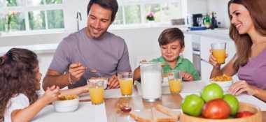 Ini Manfaat Makan Bersama Keluarga untuk Anak