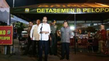 Kunjungi TKP Bom Kampung Melayu, Jokowi Perintahkan Menko Polhukam Selesaikan Revisi UU Anti-Terorisme