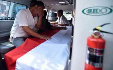 Korban Bom Kampung Melayu, Briptu Anumerta Gilang Tulang Punggung Keluarga