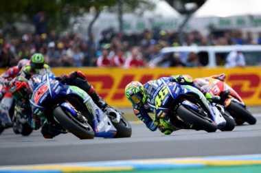 Tutup Mata, Vinales Justru Bisa Lewati Valentino Rossi di Le Mans