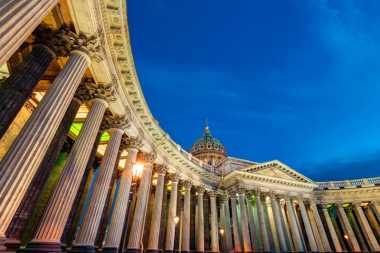 5 Gereja dengan Arsitektur Terbaik di Saint Petersburg, Rusia