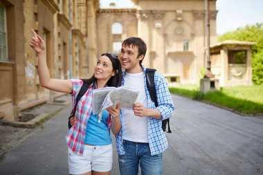 Simak 4 Tips Travelling bagi Anda yang Merencakan Cuti Bersama Pasangan