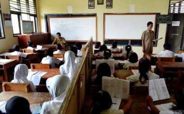 PGRI Disarankan Buka Saluran Pengaduan Guru Merokok