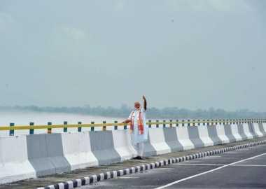 PM Modi Resmikan Jembatan Terpanjang di India