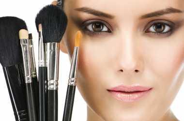 Jangan Asal! Pilih Kuas Make-Up Sesuai dengan Fungsinya