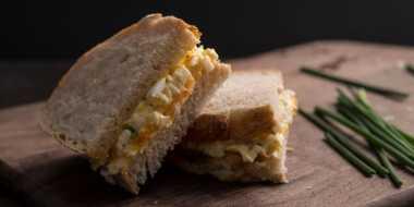 SAHUR YUK: Makan Sandwich Egg Saja kalau Sudah Mepet Imsak