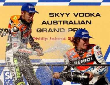 Musim Pertama Tampil di MotoGP, Hayden Ngaku Tak Pernah Nongkrong Bareng Valentino Rossi