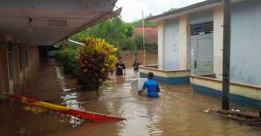 Banjir Kiriman dari Malaysia, Aktivitas Belajar Siswa Diliburkan