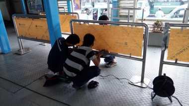 Halte Rusak Akibat Bom, Kerugian PT Transjakarta Ditaksir Rp10 Juta