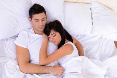 Manfaatnya Pasutri Saling Memberikan Masturbasi