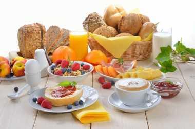 RAMADAN FIT: Panduan Pola Makan yang Sehat untuk Sahur