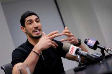 Turki Terbitkan Surat Penangkapan bagi Pebasket NBA Enes Kanter