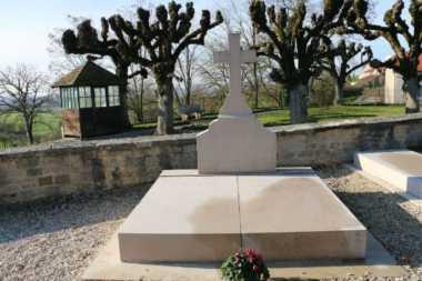 Makam Pahlawan Nasional Prancis Charles de Gaulle Dirusak OTK