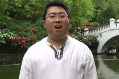 VIDEO: Wah! Pria Malaysia Ini Mampu Menyanyikan 112 Lagu Kebangsaan