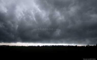 Minggu-Senin, Hujan Lebat Disertai Angin Kencang Landa Kawasan Lampung