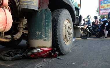 Isak Tangis Warnai Persemayaman Korban Kecelakaan Maut di Medan