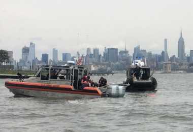 Kecelakaan Terjun Payung, Navy SEAL AS Tewas di Sungai Hudson