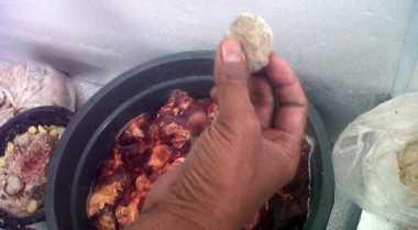 Astaga! Ada Bakso Oplosan Daging Babi Hutan di Bogor