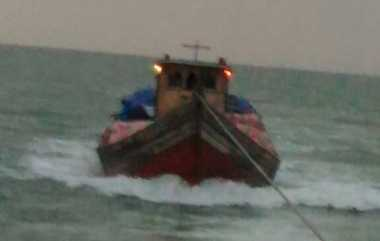 Sempat Serang Kapal Petugas Bea Cukai, Penyelundup Pakaian Bekas Malaysia Berhasil Ditangkap