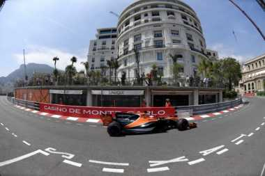 Tabrak Pascal Wehrlein, Jenson Button Dihukum Tiga Grid